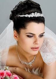 Hochsteckfrisurenen Hochzeit Mit Diadem Und Schleier by Hochzeitsfrisuren Brautfrisuren Mit Schleier Und Diadem
