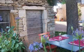 chambre d hote dans le beaujolais maison d hôtes beaujolais le clos de pomeir