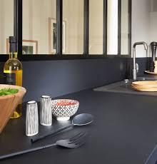 table de travail cuisine 11 photos de plans de travail originaux pour la cuisine côté maison