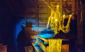 daily disneyland haunted mansion 2nd ghost organ player in attic