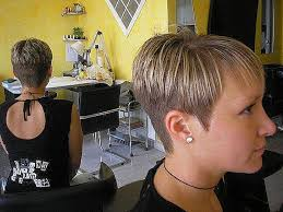 short haircut with ear showing short hairstyles short hairstyles cut around the ears best of