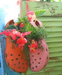 Recycled Garden Decor Attractive Reuse Decor Crafts Recycled Things