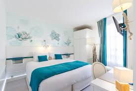 image chambre hotel deluxe room hotel eiffel trocadero