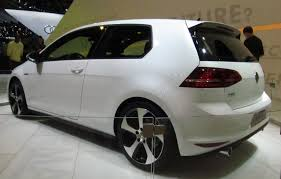 white volkswagen golf file volkswagen golf vii gti rear quarter white jpg wikimedia