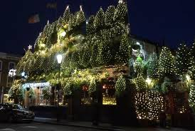 Large Christmas Decorations For Pubs by Watch Churchill Arms Pub Decorated With 21 000 Christmas Lights