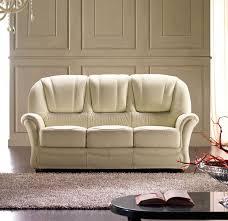 canapé cuir qui colle canapé lit classique en cuir 3 places ilona rosini