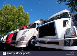 semi truck manufacturers trucks lined up line stock photos u0026 trucks lined up line stock