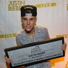 Douchebag Halloween Costume Justin Bieber Huge Pop Megastar Bit Douchebag Gigwise