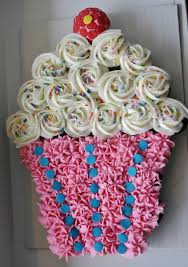 Easy Giant Cupcake Decorating Ideas Cupcake Cakes When In Doubt You Can Always Arrange Your