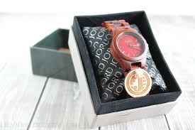college graduate gift ideas jord watches and other meaningful graduation gift ideas
