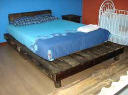 wood pallet bed frame headboard crustpizza decor new trend