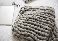 oversized cosy chunky wool blanket tutorial how to arm knit