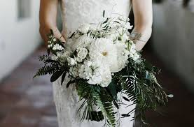 wedding bouquet ideas 5 wedding bouquet ideas that won t the bank preowned