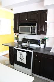 check out debbie lewis u0027s new look in her kitchen oak cabinets