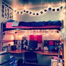 Bedroom Furniture For College Students by 15 Amazing Dorm Room Pictures That Will Make You Excited For