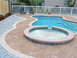 Pavers In Backyard by Best 25 Pervious Pavers Ideas On Pinterest Permeable Driveway