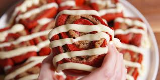 Halloween Red Velvet Cake by Red Velvet Cinnamon Rolls Delish Com