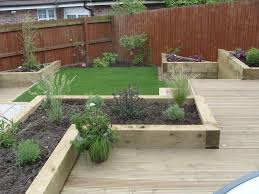 Small Family Garden Low Maintenance Garden Border Ideas For Landscaping Front Of House