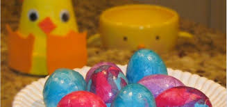 paper easter eggs easter egg decorating made easy with tissue paper parenting