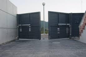puertas de cocheras automaticas mejora la seguridad de tus puertas batientes servicedoor