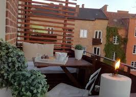 holzbelag balkon 40 ideen für attraktive balkon gestaltung für wenig geld