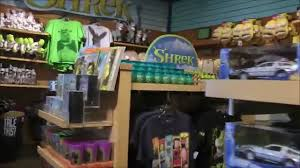 universal gifts cartooniversal gift shop at universal studios hollywood youtube