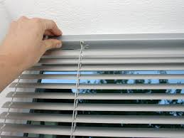 Cleaning Windows With Vinegar How To Clean Mini Blinds Peeinn Com