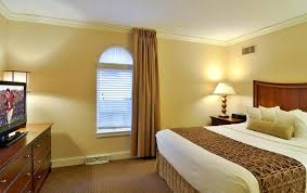 Yellow Bedroom Curtains Curtains For Yellow Bedroom Cheery Yellow Bedrooms Bright Yellow
