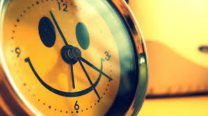 download wallpaper 3840x2160 alarm clock smile funny creative