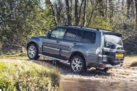 mitsubishi outlander off road group test mitsubishi shogun vs jeep wrangler vs suzuki jimny vs