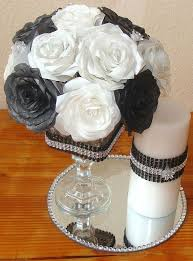 Black And White Centerpieces For Weddings by Top 25 Best Fake Flower Centerpieces Ideas On Pinterest Diy