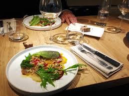 cuisine montpellier délicieuse alliance de betteraves pêches et noisettes et ciboulette