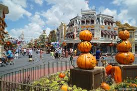 magic kingdom u0027s fall halloween decorations 2014 photo 1 of 37