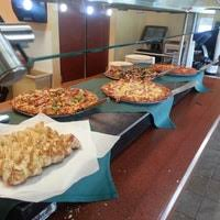 round table pizza lynnwood round table pizza 8 tips from 131 visitors