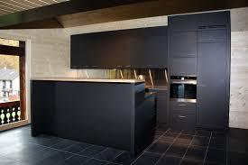 mdf cuisine agencement de cuisine mdf noir dans la masse interieur