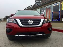 nissan pathfinder quarter mile first drive 2017 nissan pathfinder tries to keep up with the