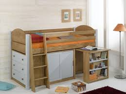 chambre enfant bois massif lit enfant surélevé bois massif secret de chambre