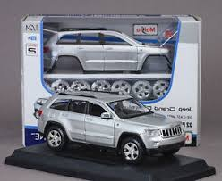 jeep cherokee toy maisto 1 24 jeep grand cherokee laredo diecast assembly metal kit