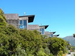 eccentric home decor amazing tree house hotels eccentric hapuku lodge new zeland idolza