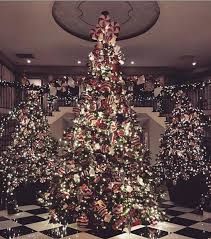 kim kardashian u0027s mansion is covered in christmas lights it u0027s