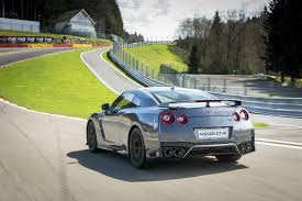 nissan 2017 2017 nissan gt r first drive review