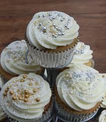 wedding cupcakes http lovinghomemade files 2013 03 cupcakes 4