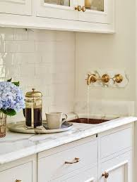 Solid Wood Shaker Kitchen Cabinets by Stunning Solid Wood Shaker Cabinet With Gold Hardware And Marble