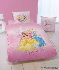 chambre princesse sofia parure de lit princesse sofia ides
