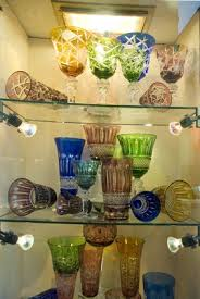 how to display china u0026 crystal in your hutch homesteady