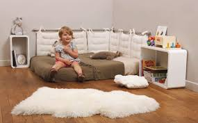 chambre bébé montessori réalisez votre chambre montessori