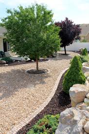 Backyard Trees Landscaping Ideas by Best 20 Rock Yard Ideas On Pinterest Yard Rock Pathway And