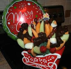 christmas fruit arrangements edible christmas fruit arrangements