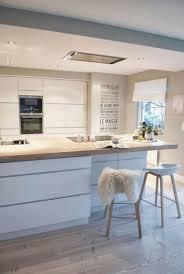 idee cuisine blanche cuisine blanche et bois fresh la cuisine blanche et bois en 102 s