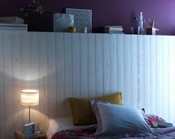 lambris pour chambre tête de lit en lambris sapin blanc dans chambre bleu
